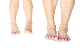 不同的年龄的脚作为孩子和前辈的 免版税库存照片