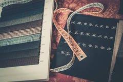 剪裁的布料样品 图库摄影