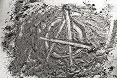 Знак анархии сделанный из золы Стоковое Фото