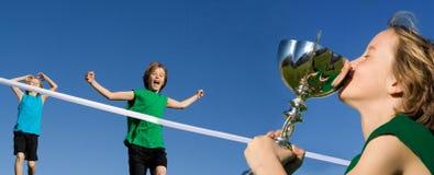 αθλητική νίκη φυλών παιδιών Στοκ φωτογραφίες με δικαίωμα ελεύθερης χρήσης