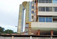 老和新的大厦在贝尼多姆 免版税库存照片