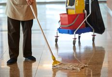 清洁地板 免版税库存照片