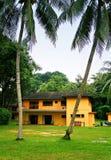 海滩前的房子新加坡 免版税图库摄影
