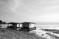 在竹木筏的日出 免版税图库摄影