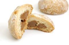 焦糖被填装的点心曲奇饼 库存图片