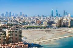 麦纳麦市,巴林,中东鸟景色  免版税库存图片