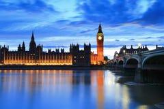 大本钟伦敦在晚上 库存图片