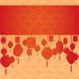 朱红色和奶油色云彩样式和灯笼水平的横幅 库存图片