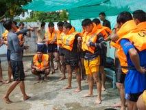 Практика сверла спасательного жилета Стоковая Фотография