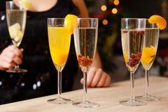 四块玻璃有很多香槟 免版税库存照片