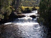 падает река Стоковое Фото