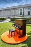 钢琴在公园 免版税库存照片