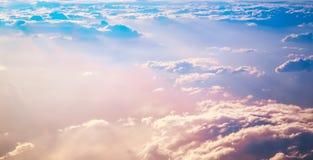 在云彩日出之上 库存照片