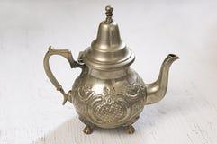 摩洛哥银色茶壶 免版税库存图片