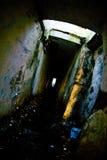 令人毛骨悚然的地下墓穴 免版税库存照片