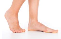 妇女脚跨步 免版税库存照片