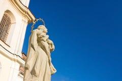 圣母玛丽亚的纪念碑 免版税库存照片