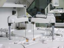 离心机生物材料的现代医疗设备 库存照片