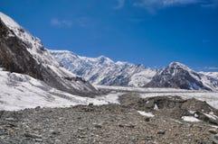 冰川在吉尔吉斯斯坦 库存图片