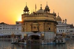 锡克教徒的圣洁金黄寺庙在阿姆利则,旁遮普邦,印度 图库摄影