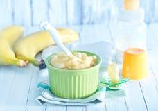 белизна макарон еды предпосылки младенца сырцовая Стоковое Изображение RF