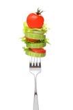 在叉子的凉拌生菜 免版税库存照片