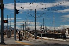 盐湖城:轻的路轨火车轨道 免版税图库摄影