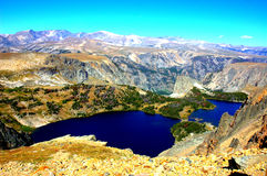 Красота озер гор положения Монтаны Стоковая Фотография
