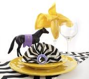 赛马狂欢节事件午餐桌餐位餐具 库存图片