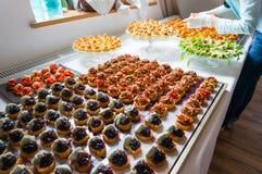 Специальности ресторанного обслуживании аранжированные для события Стоковые Фотографии RF