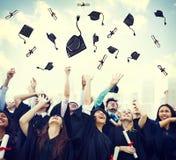 学生庆祝教育毕业幸福概念 图库摄影