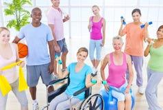 Концепция здравоохранения фитнеса людей группы здоровая Стоковое фото RF