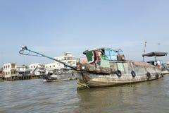 越南,在湄公河的小船 免版税库存照片