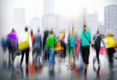 Концепция города вскользь часа пик людей идя коммутируя Стоковая Фотография RF
