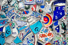Μωσαϊκό του σπασμένου τοίχου κεραμιδιών στη Ιστανμπούλ, Στοκ Εικόνα
