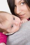 ребёнок ее мать Стоковое Изображение RF