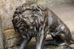 古铜色狮子雕象 图库摄影