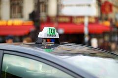 出租汽车在巴黎 库存照片