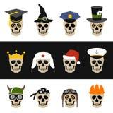 有帽子、盔甲、盖帽、方巾和冠的头骨 库存图片