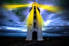 光灯塔和希望给正确的方向 免版税库存图片