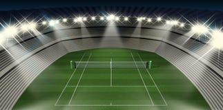 草坪网球场在晚上 免版税库存图片