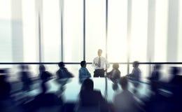 给讲话会议的商人的领导人 免版税库存照片