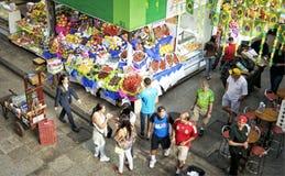 热带水果在圣保罗主要市场上 库存照片