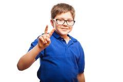 小男孩送和平和爱 免版税库存照片