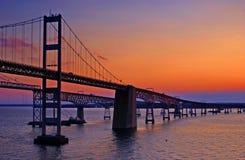 海湾桥梁切塞皮克犬黎明 库存照片