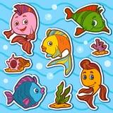 套逗人喜爱的鱼和自然站点,传染媒介贴纸 图库摄影