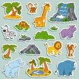 套各种各样的逗人喜爱的动物,徒步旅行队动物传染媒介贴纸  免版税图库摄影