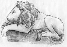睡觉狮子剪影 免版税库存照片