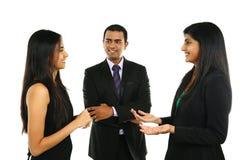 Азиатские индийские бизнесмены и коммерсантка в группе Стоковые Изображения RF