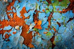 与破裂的油漆的老表面 免版税库存照片
